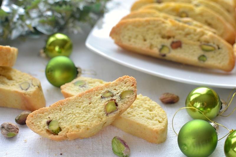Biscotti zafferano e pistacchi