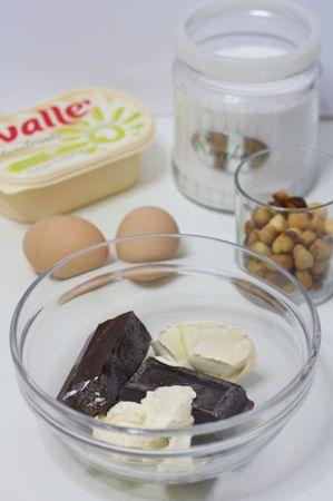 Sciogliere a bagnomaria il cioccolato e Vallé
