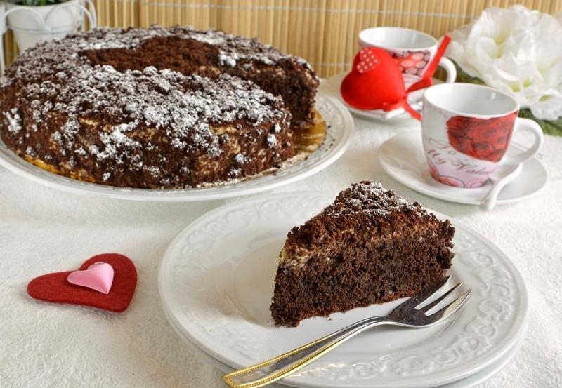 Torta al cioccolato con crema al Mou
