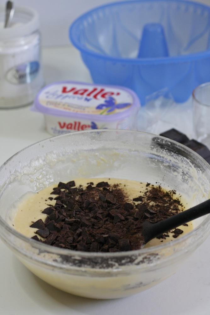 aggiungere le scaglie di cioccolato
