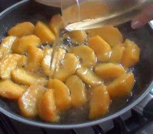crostata-alle-pesche-e-moscato-6.jpg