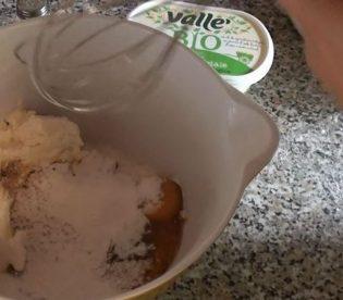 Crostata con crema di zucca e ricotta: aggiungere la zucca e il resto degli ingredienti