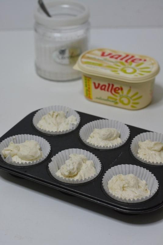 versare negli stampi per muffin ed infornare a 180° per circa 15min