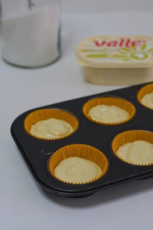 sistemare in 6 stampi per muffin ed infornare a 180° per circa 15min.