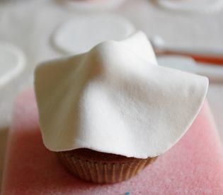 cupcakeshalloweenananas15.jpg