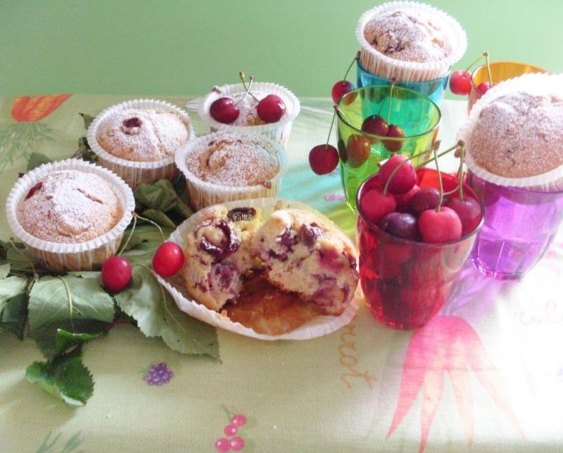 Muffin soffici alle ciliegie