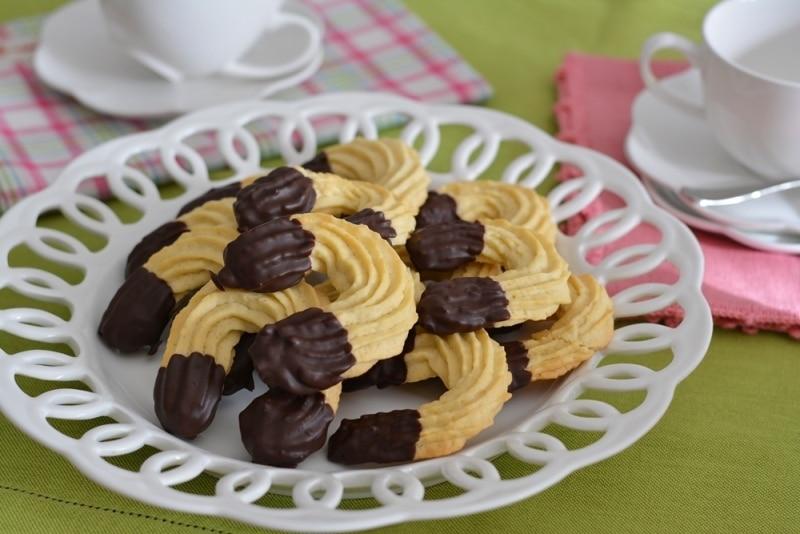 Ricetta Biscotti Al Burro Facile.Biscotti Al Burro Burro Ricetta Biscotti Colazione Valle Italia