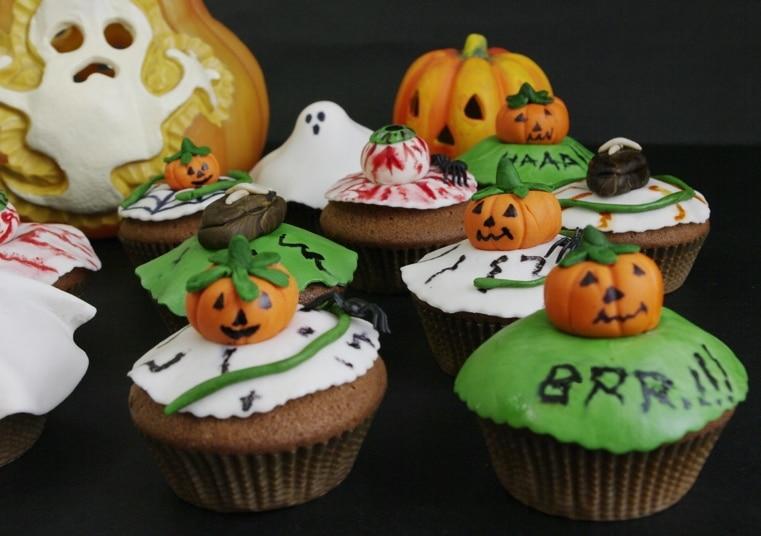 Cupcakes di Halloween al cacao e ananas