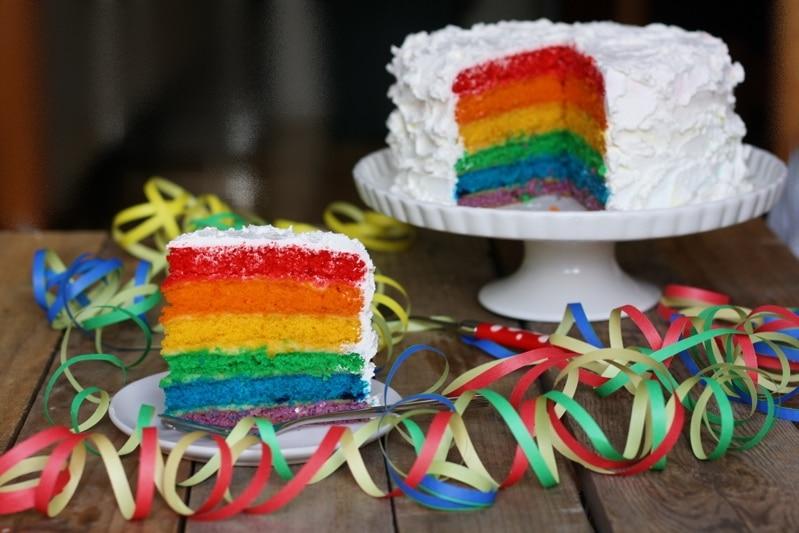 Torta arcobaleno per Carnevale