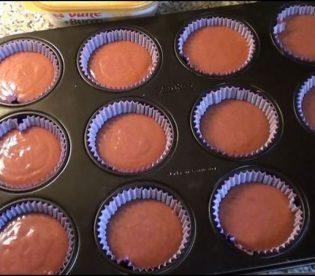red-velvet-cupcakes-6.jpg