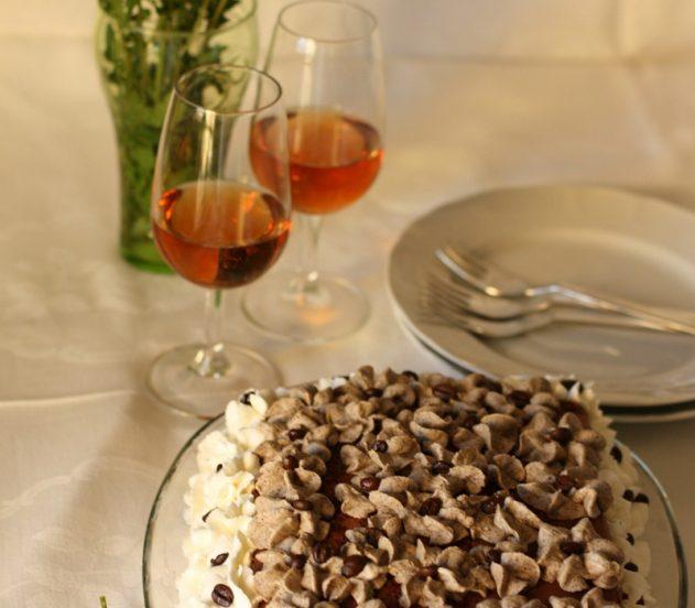 Torta al cioccolato con mascarpone e caffè: decorazione