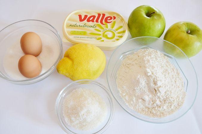 Ingredienti. Tagliare le mele, irrorarle di succo di limone e mettere da parte