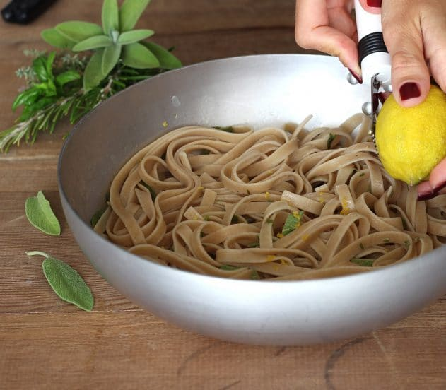 3-Tagliolini-limone-erbe