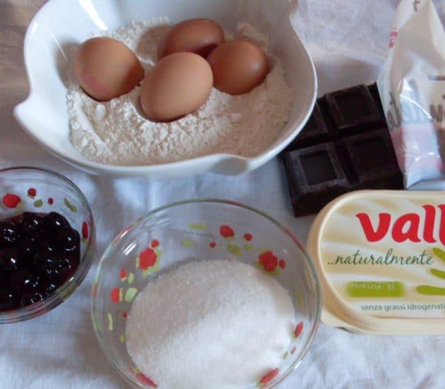 torta soffice amarene e cioccolato 1