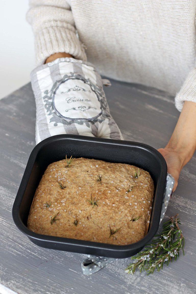 Infornate e lasciate cuocere per 30 minuti la teglia unica, 20 minuti le due teglie quadrate. Sfornate e gustate!