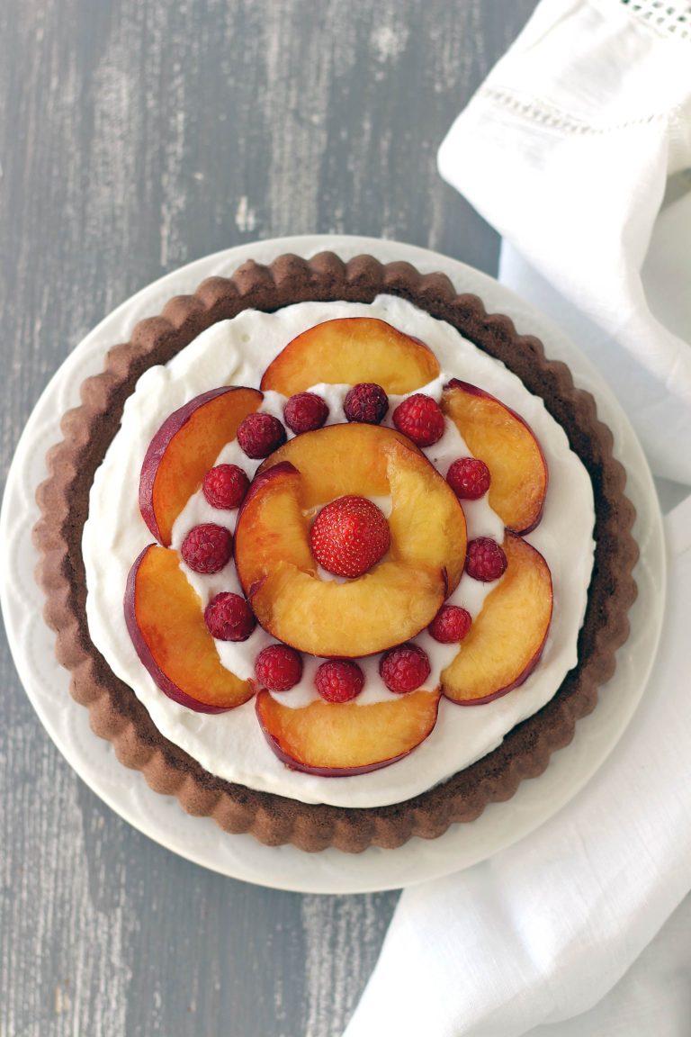 Gustate subito il dolce o conservatelo in frigorifero fino al momento di servire.