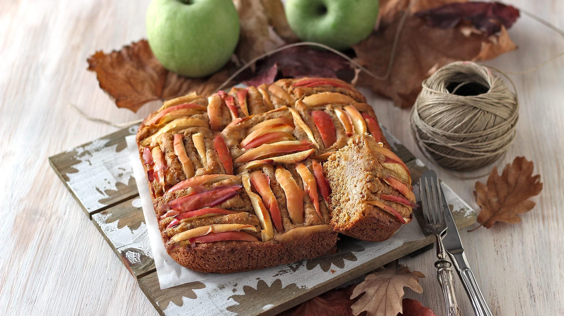 Torta di mele con quinoa e mandorle