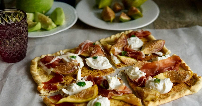 Pizza prosciutto, fichi e burrata