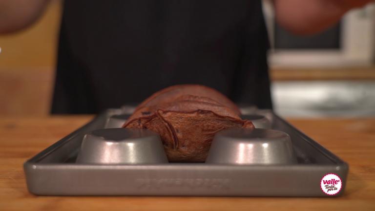 Mettete le crepes su uno stampo da muffin e mettere in freezer 30 minuti.