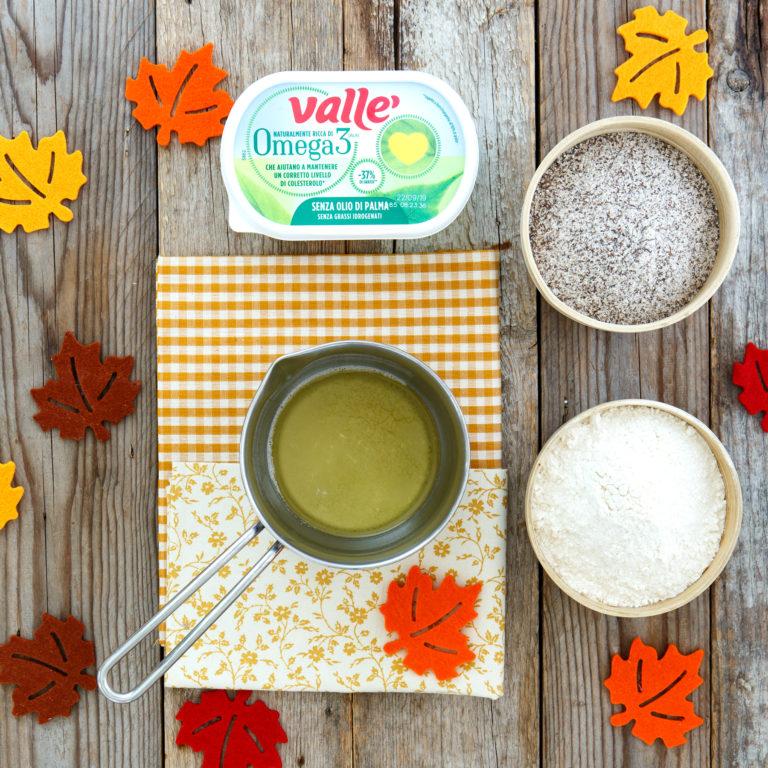 Per preparare la pastella, fare fondere Vallé Omega 3 a bagnomaria, aggiungere il pizzico di sale e lasciare intiepidire.