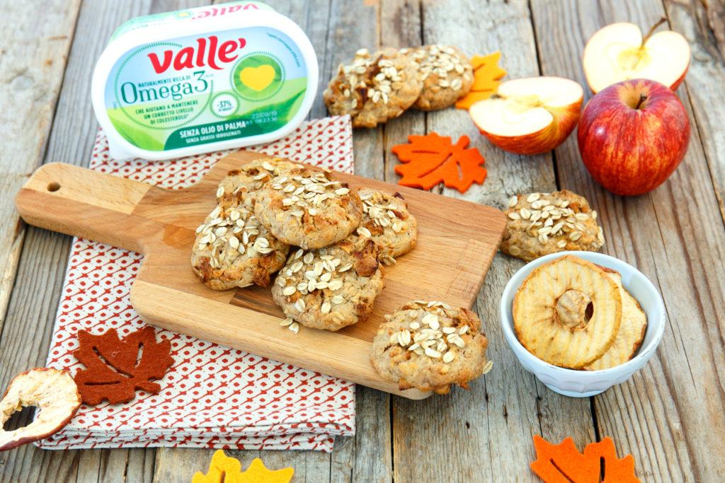 Biscotti integrali con mele e noce moscata