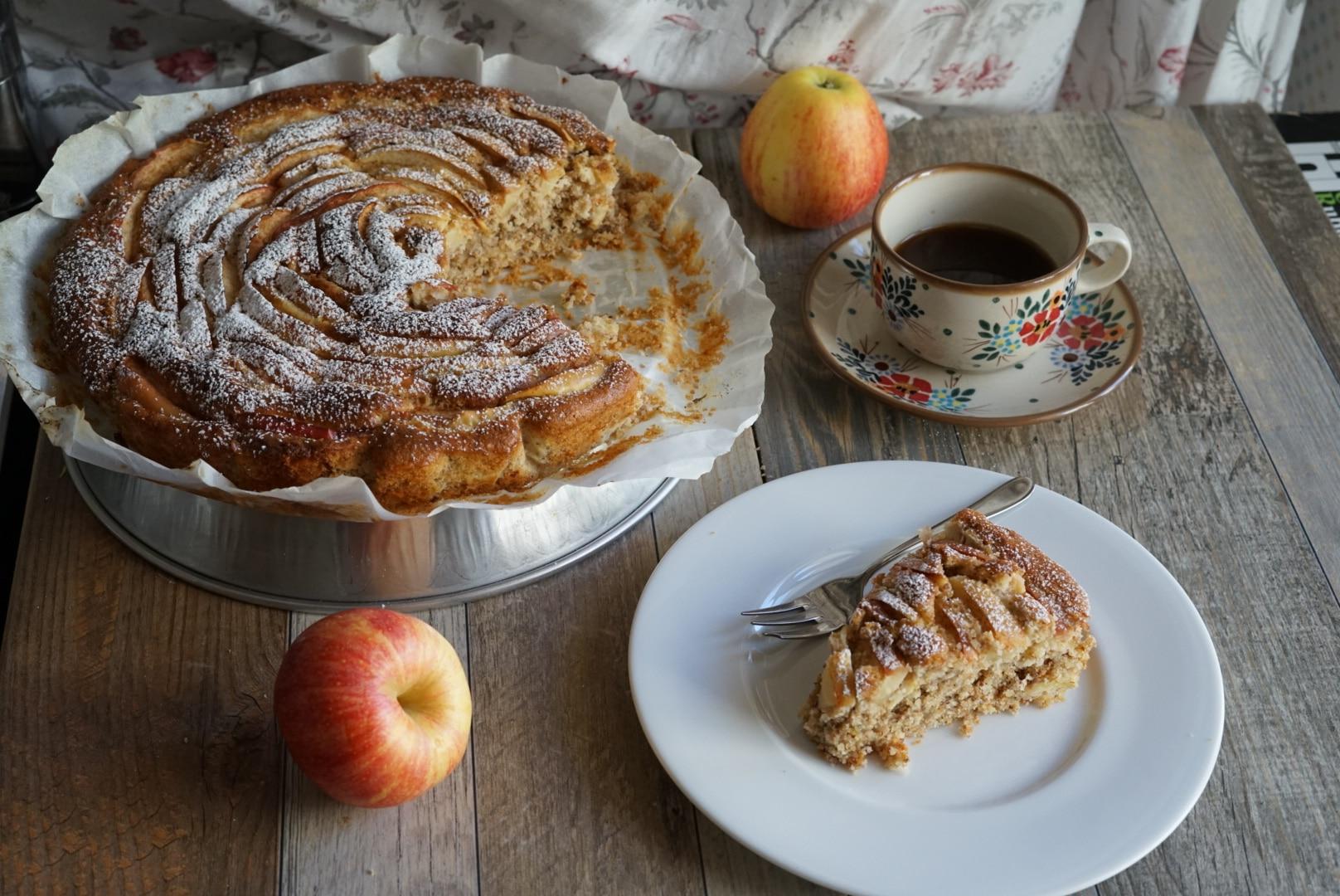 Torta integrale di mele e mandorle