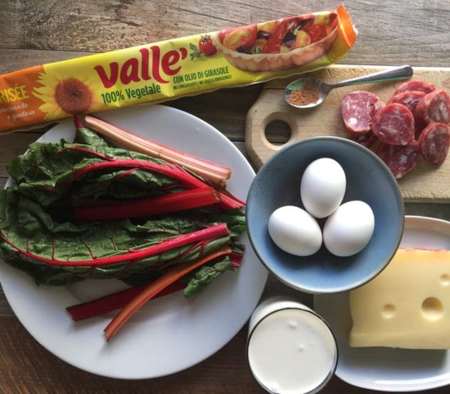 Torta salata con bietole rosse e salame 1