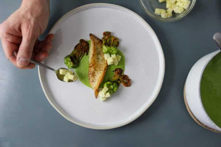Rombo in padella, crema di zucchine e fiori di zucca brasati - Step 3