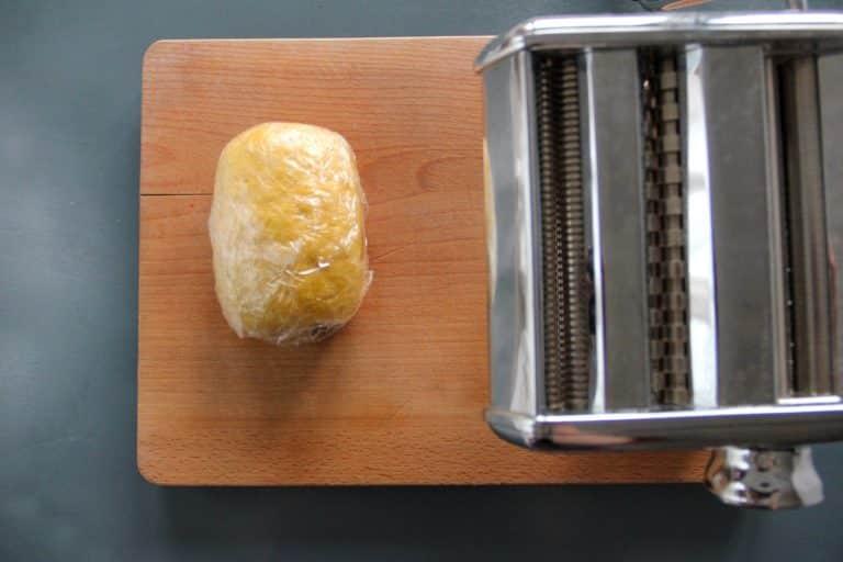 Tagliolini di pasta fresca, cozze, zafferano ed erba cipollina - Step 2