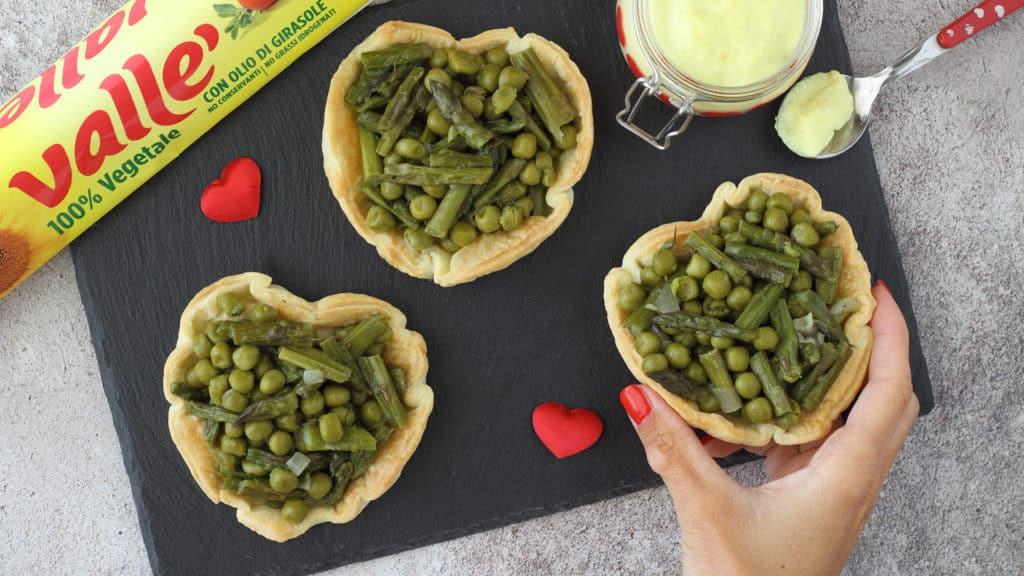 Crostatine salate alle verdure e curcuma