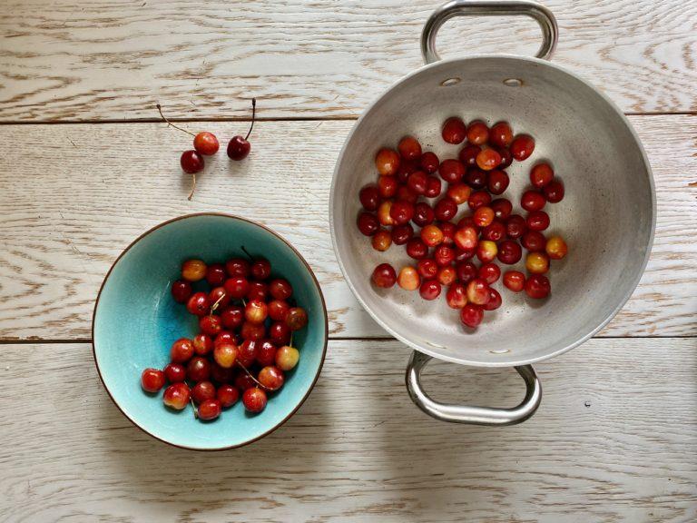 Snocciolare le ciliegie