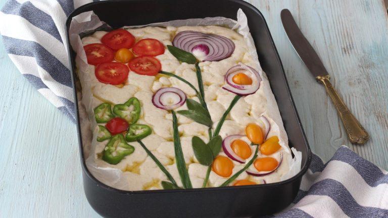 Focaccia soffice senza impasto alle verdure 9