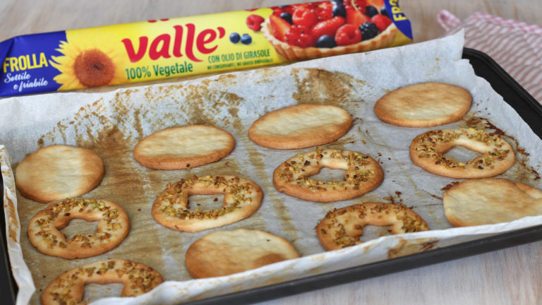 3-biscotti-occhidibue-pistacchio
