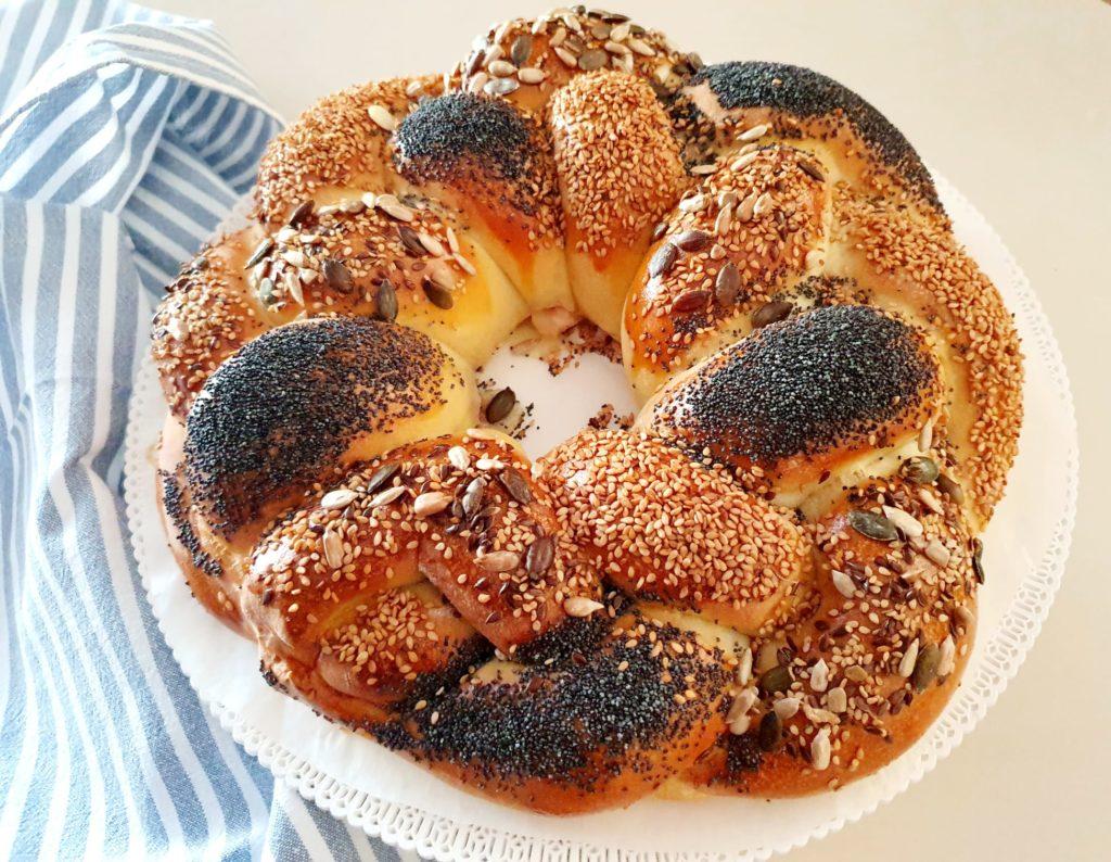 Treccia in festa panbrioche: treccia di pane centrotavola