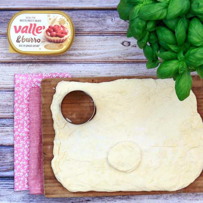 dare la forma ai panzerotti al forno Vallé